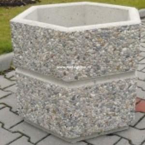 Ghiveci din beton hexagonal